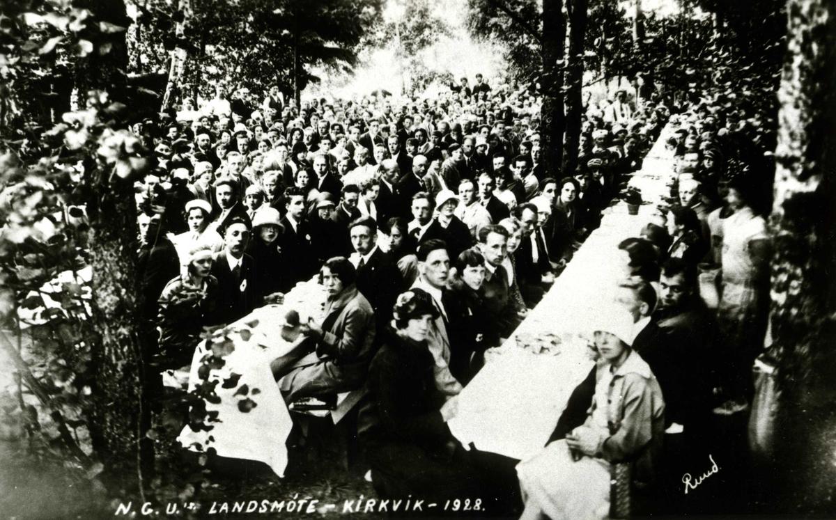 Norges Godtemplarungdoms landsmøte på Oslo Godtemplarungdomslags feriehjem Kirkevik, Nesodden, 1928.