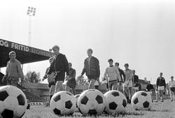 Serie. Juniorlandslaget i fotball trener på Ullevål stadion,