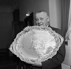 Serie. Utstilling av Herrebø fajanse. Fotografert april 1959