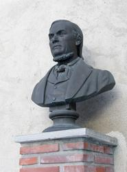 Byste av Hans Nielsen Hauge.