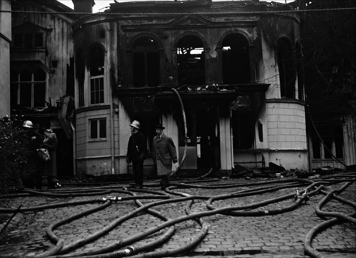 Restaurang Rullan, kvarteret Frigg, Uppsala har brunnit, november 1946