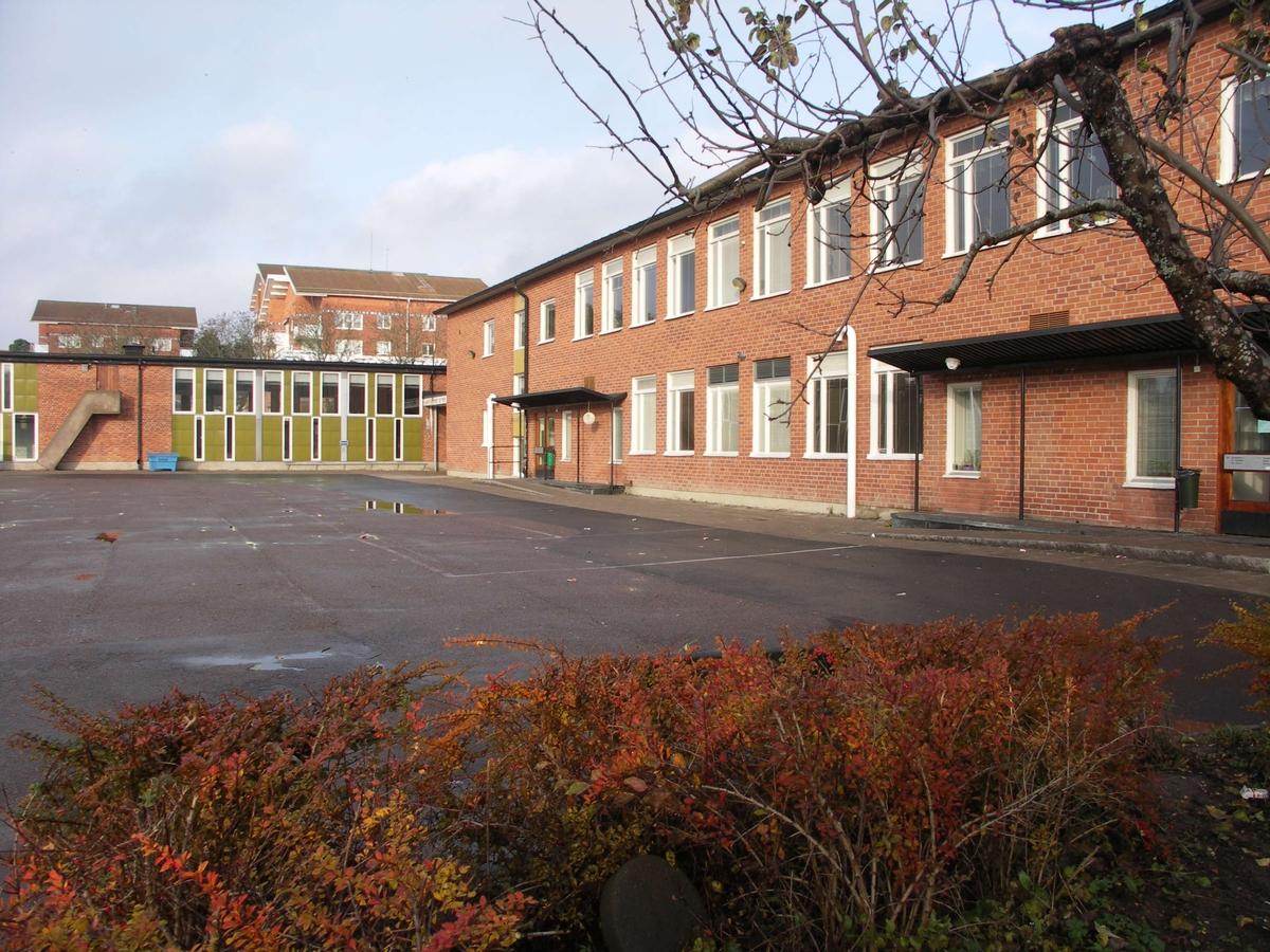 Eriksbergsskolan, kvarteret Eriksberg, Uppsala