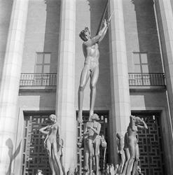Fontänskulptur Orfeusgruppen av Carl Milles framför Konserth