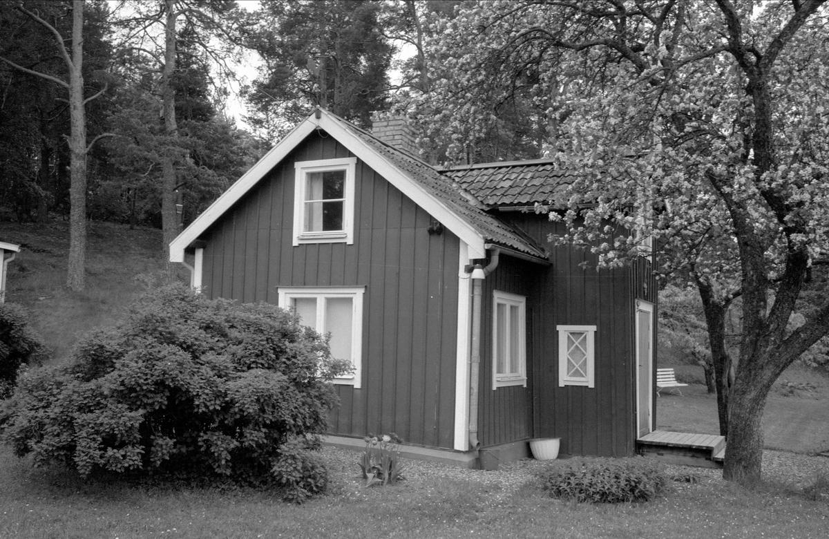 Stuga, Östa 7:1, Ärentuna socken, Uppland 1977