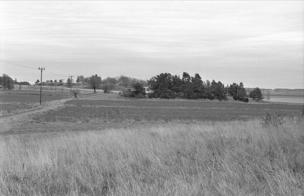 Vy från norr över Gnista, Danmarks socken, Uppland.