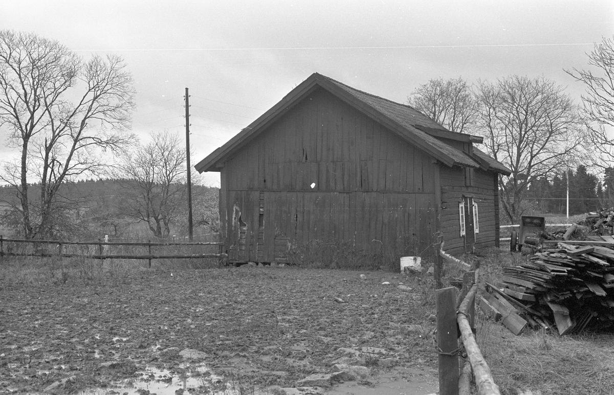Stall, Hacksta 1:1, Dalby socken, Uppland 1984