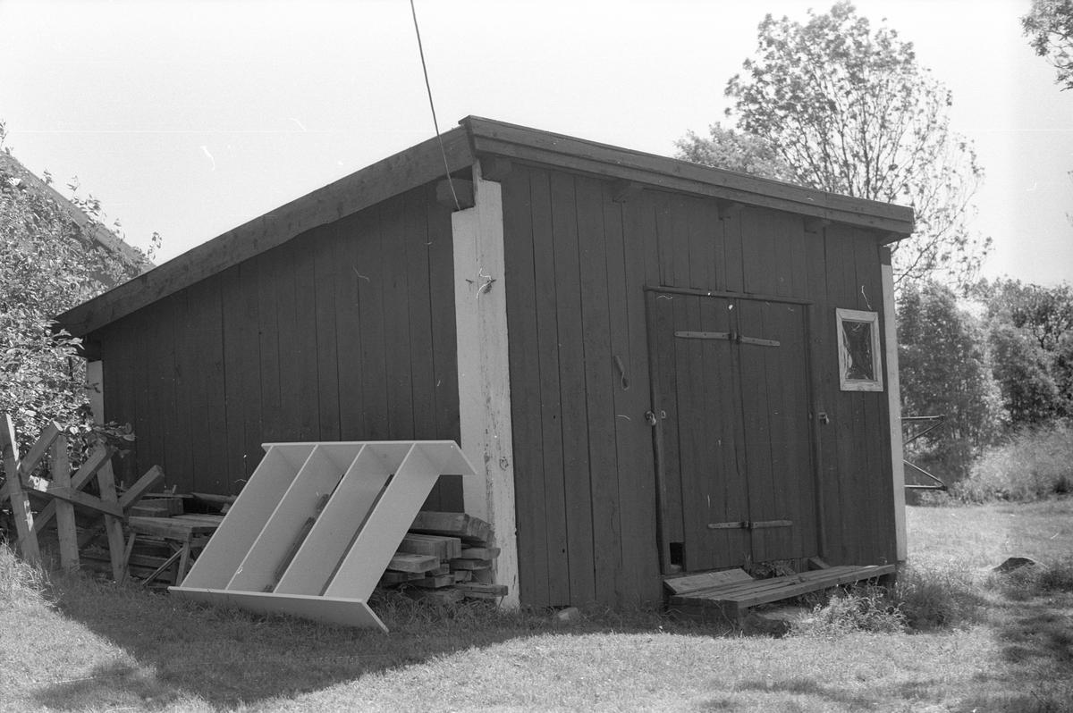 Hemlighus/vedbod, Österby 9:4, Österby, Läby socken, Uppland 1975