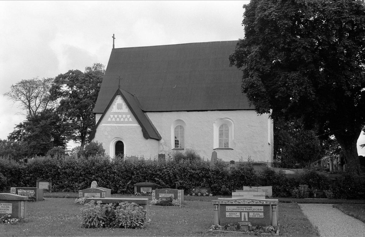 Bladåkers kyrka, Bladåkers socken, Uppland 1987