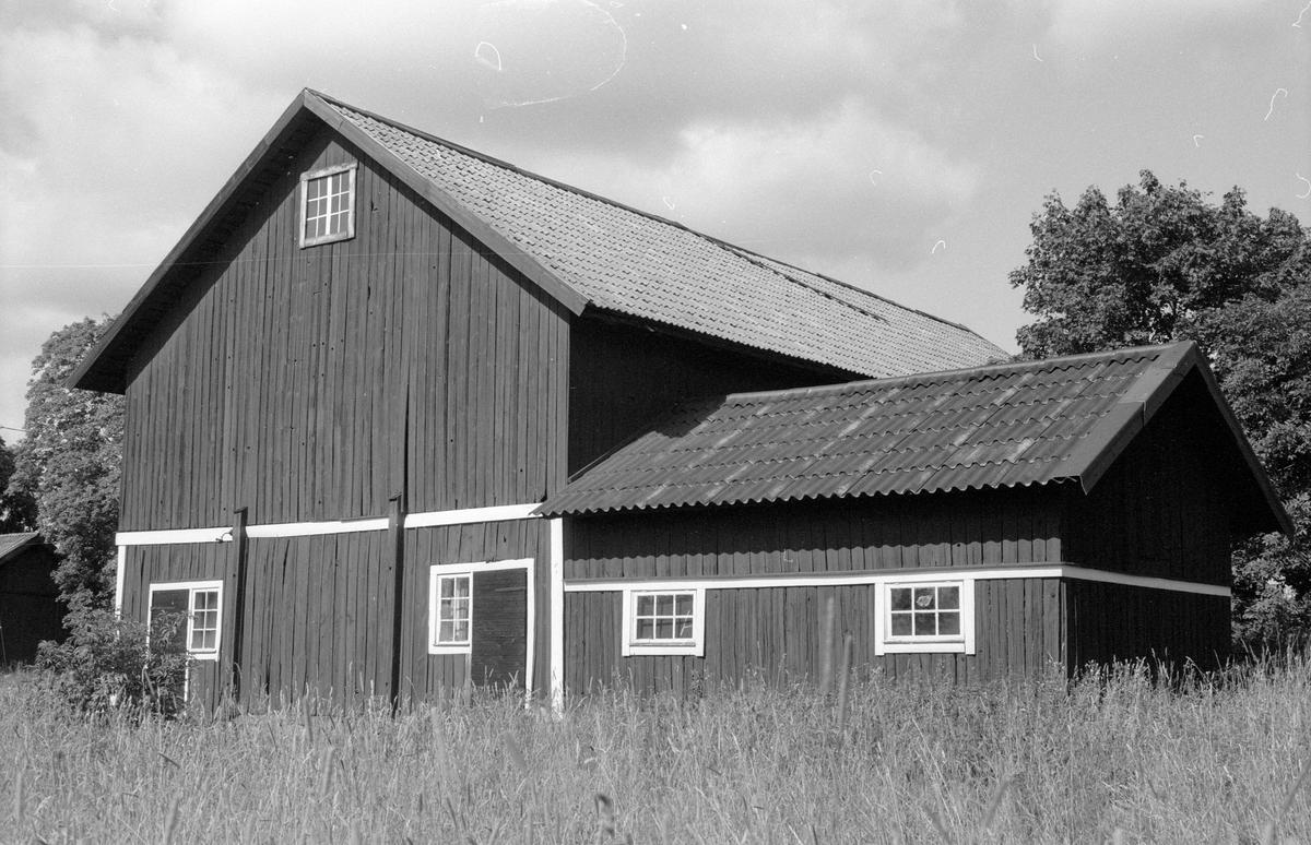 Ladugård och svinhus, Gränsta 1:56, Gränsta, Knutby socken, Uppland 1987