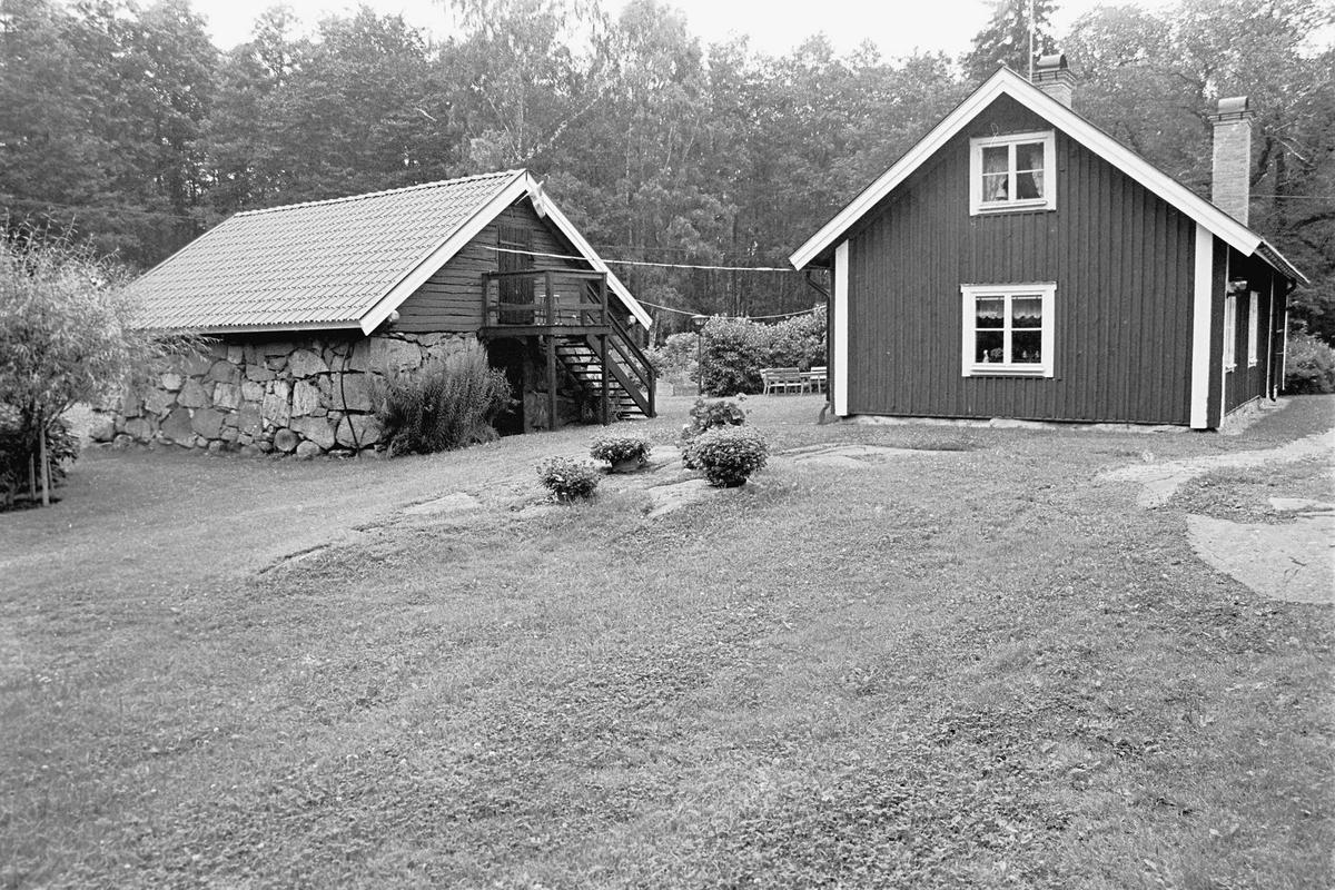 """""""Skräddarns"""", Slarsbo, Österlövsta socken, Uppland 2000"""