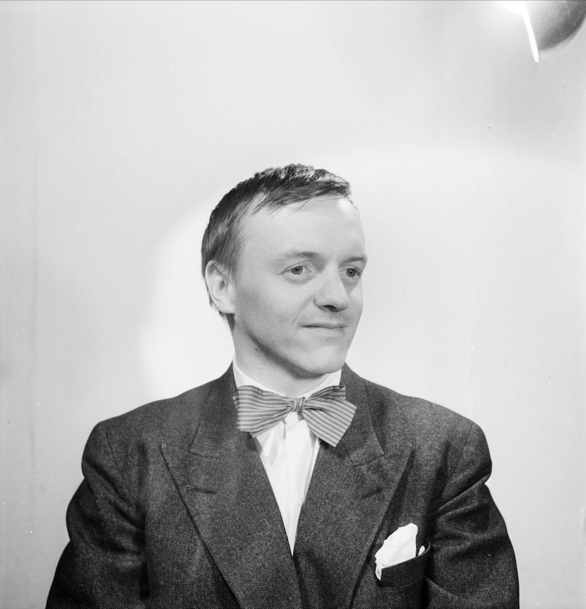 Ateljéporträtt - skådespelaren Jan-Olof Strandberg, 1953