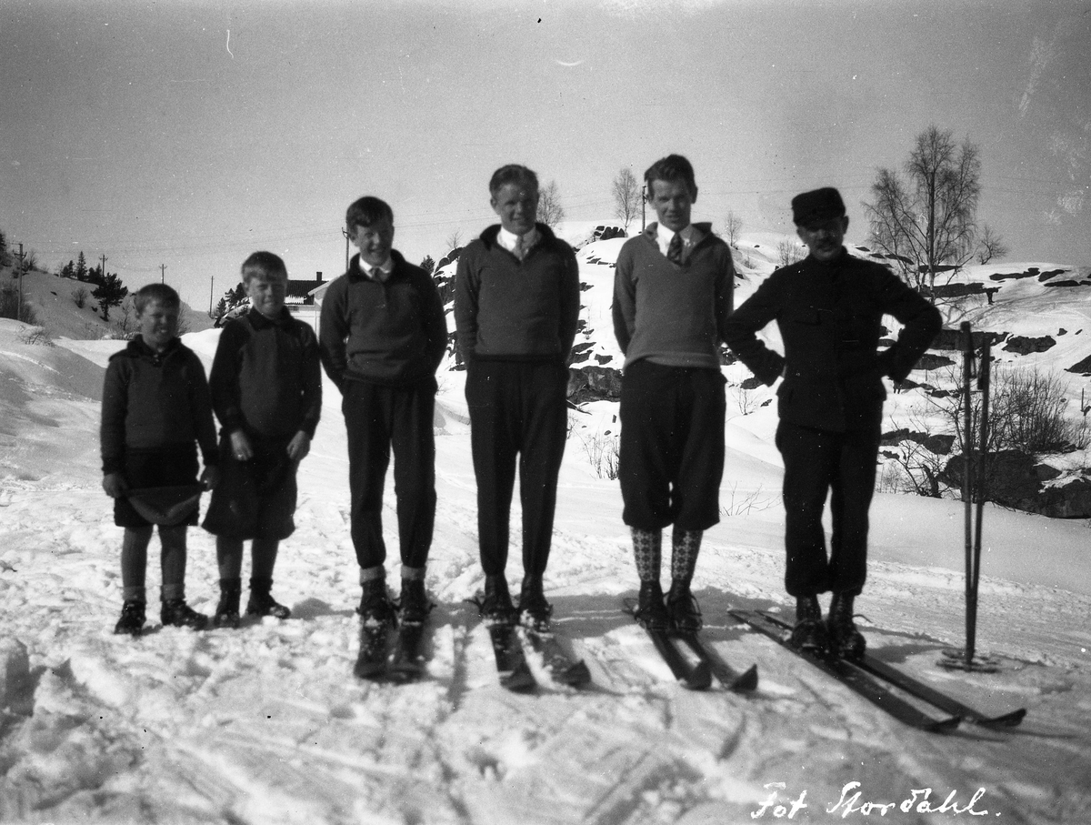 The Ruud family at Storåsen in 1928.