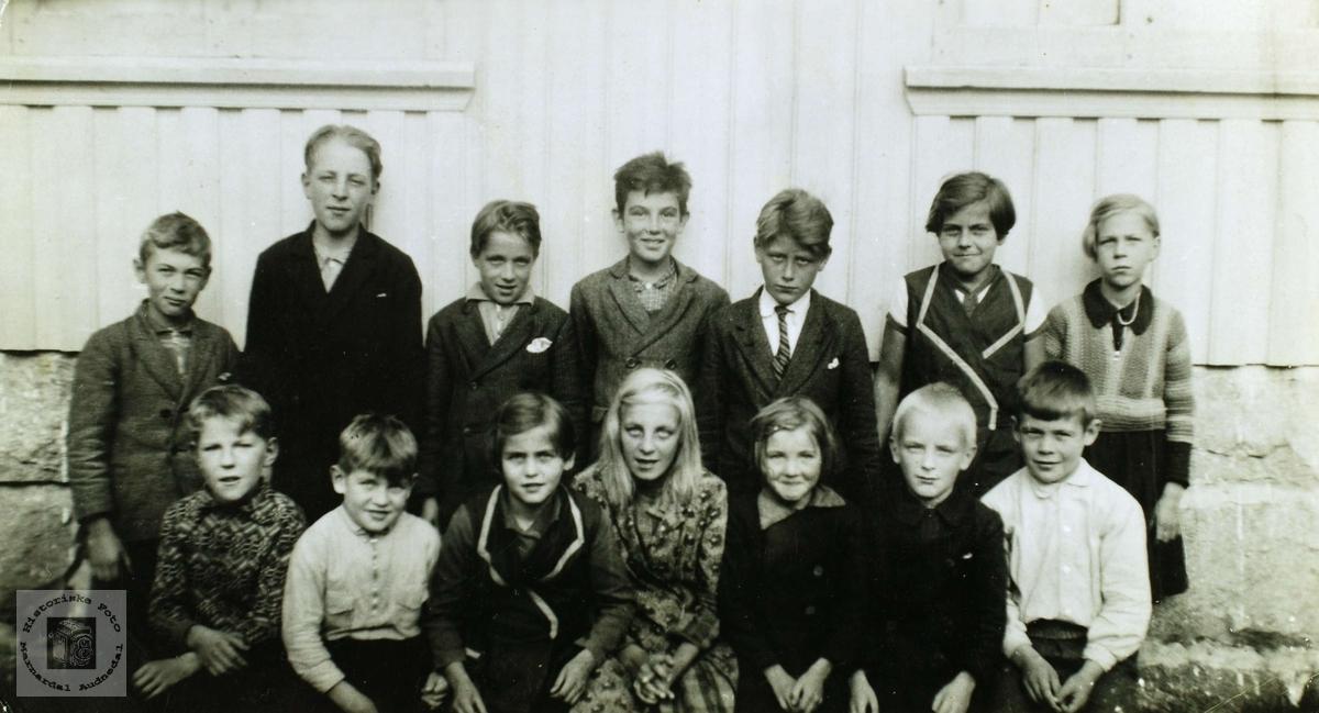 Elever ved Øvre Øydna skole i Grindheim.