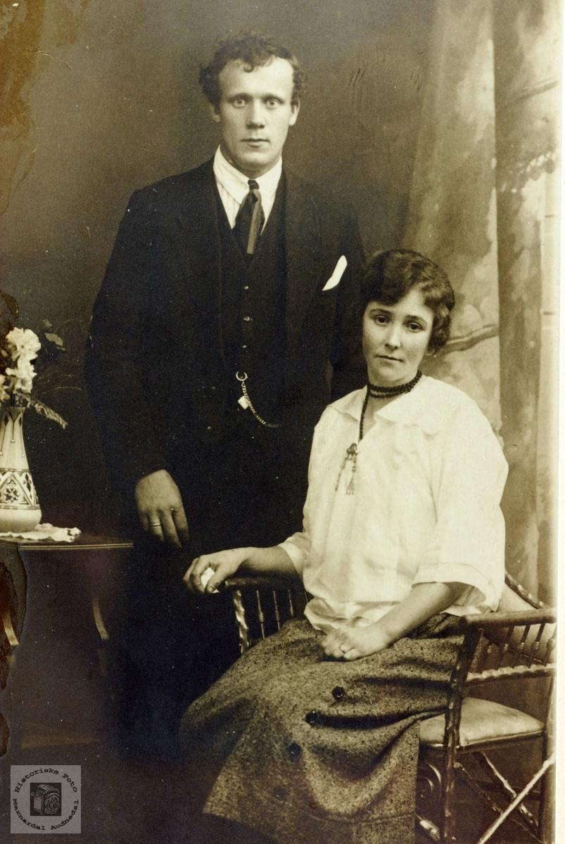 Portrett av ekteparet Jon og Martha Flottorp. Grindheim  Audnedal Risør.