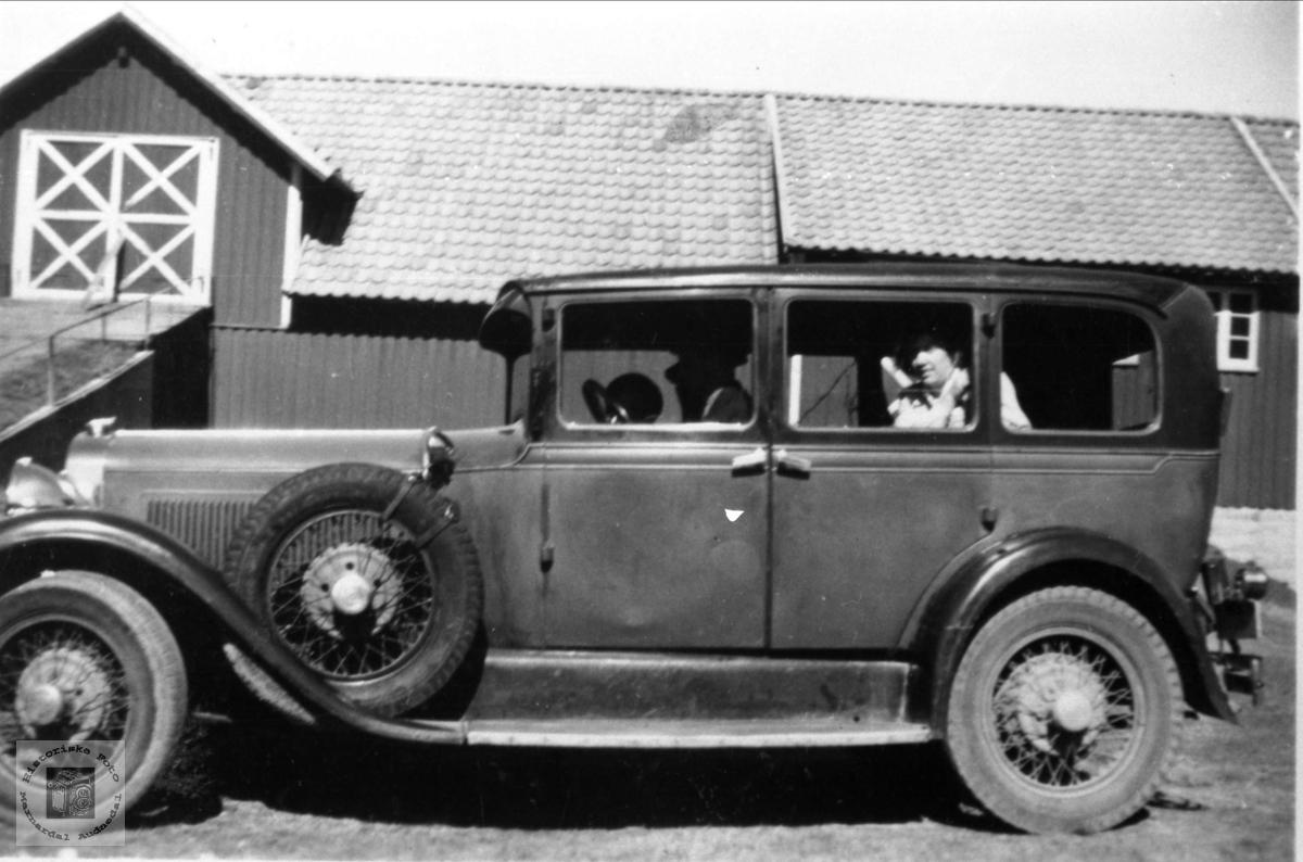 Kristen Sølvskar sin bil. Bjelland.
