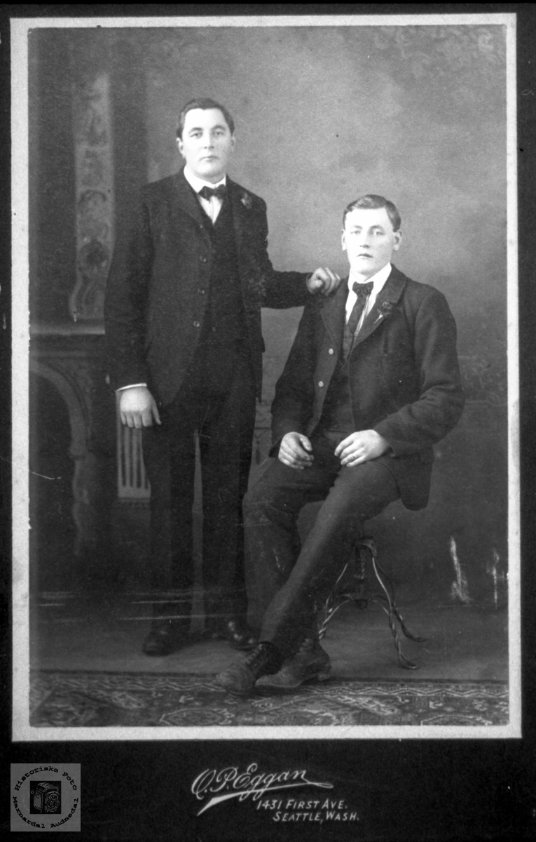 Portrett av to ukjente brødre i USA, trolig fra Laudal.