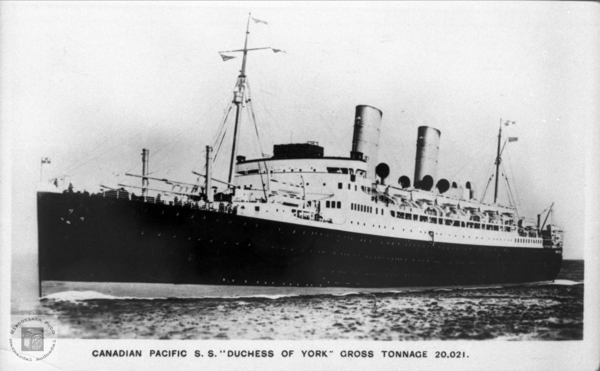 """Dampskip. Canadian Pacific S.S. """"Dushess of York"""" Gross Tonnage 20.021."""