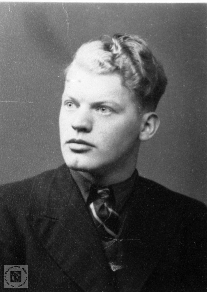 Portrett. Gunnar Haugå, Laudal.