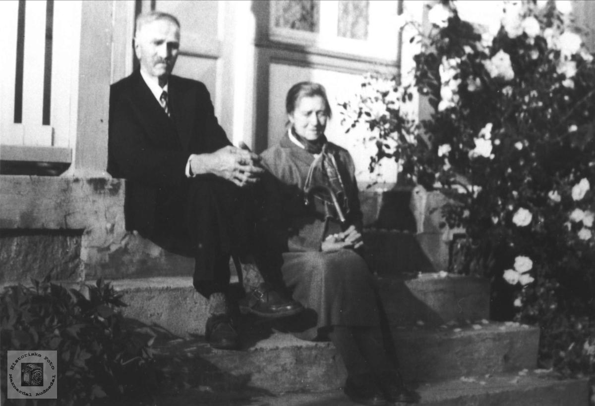 Ekteparet Salve og Inga Katrine Usland, Øyslebø.