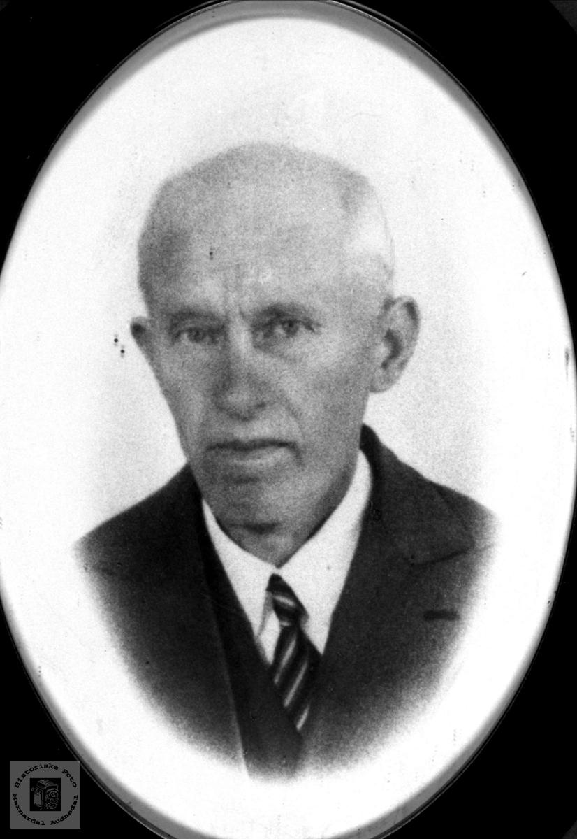 Portrett av Gunnvald Martinius Fossestøl, Øyslebø.