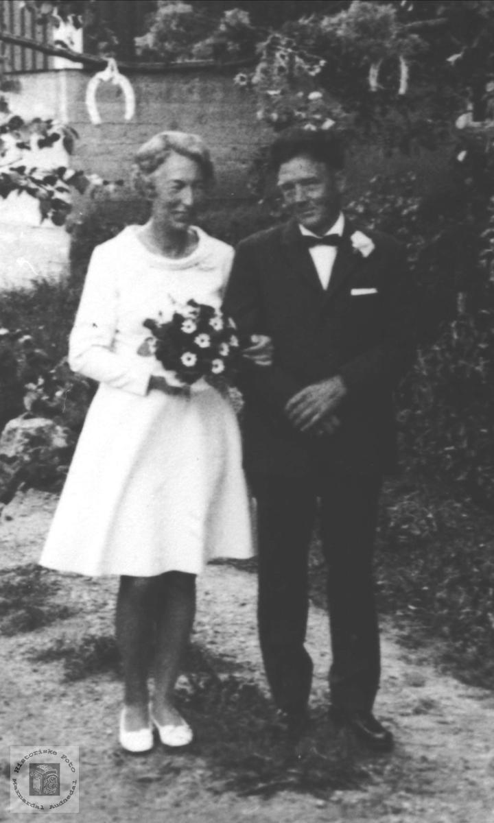 Brudebilde av Astri og Bjarne Flatelid, Øyslebø.