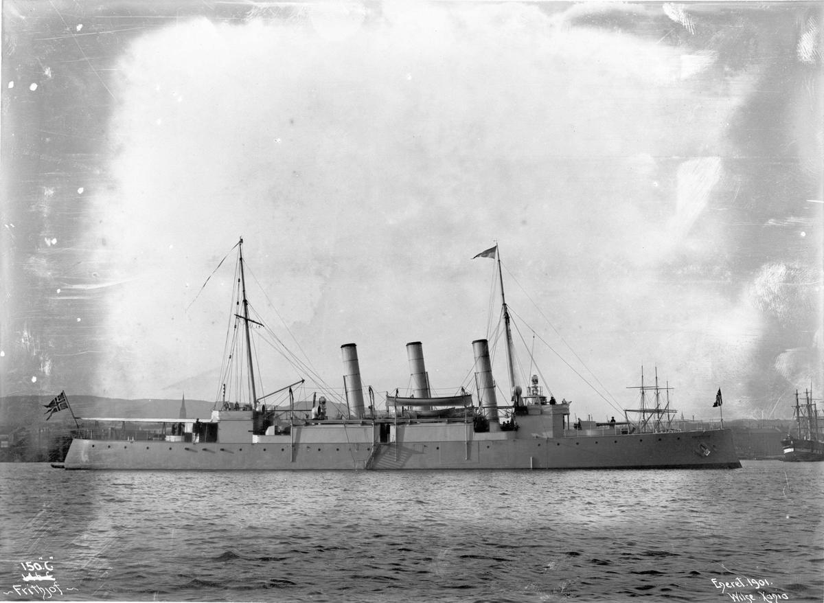 Frithjof (b. 1895, Karljohansvern verft, Horten), kanonbåt, bredside