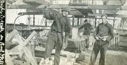 Tømring ombord i Bark 'Ingrid'(b. 1877, Birrell, Stenhouse &