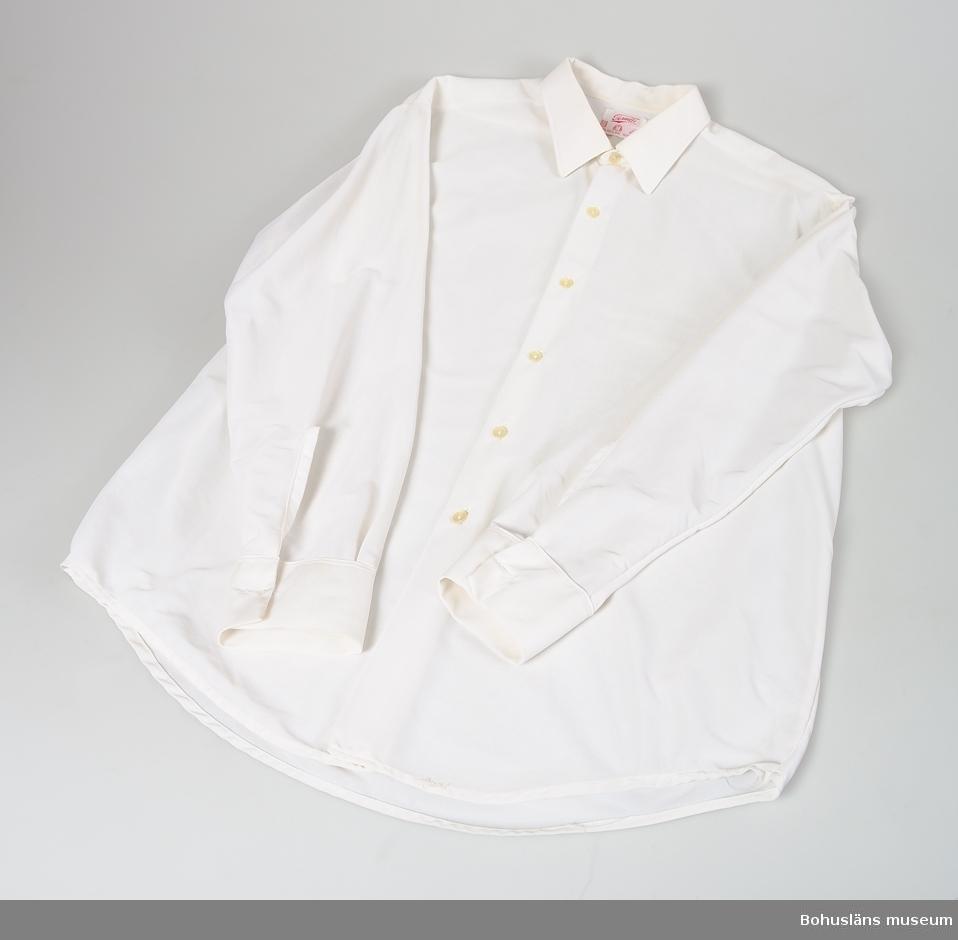Skjorta som UM020837 Personuppgifter se UM020831