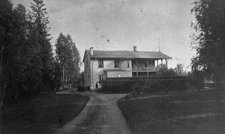 Ardmore, Uddevalla.    ::