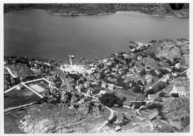 """Enligt Flygtrafik Bengtsfors: """"Bovallstrand Bohuslän""""."""