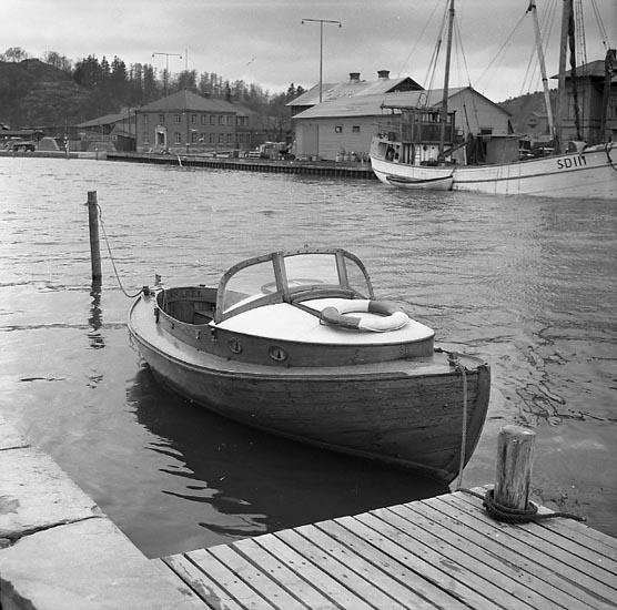 """Enligt notering: """"Hamnbilder april 47""""."""