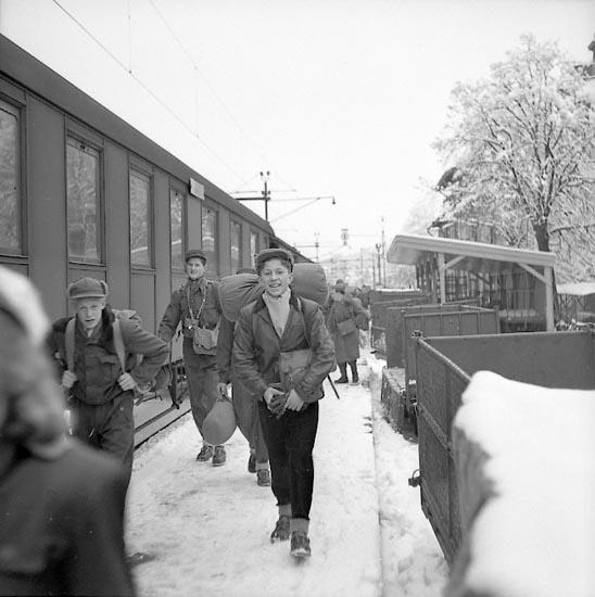 """Enligt notering: """"Ungdomsresa till Fjällen Febr 1950""""."""