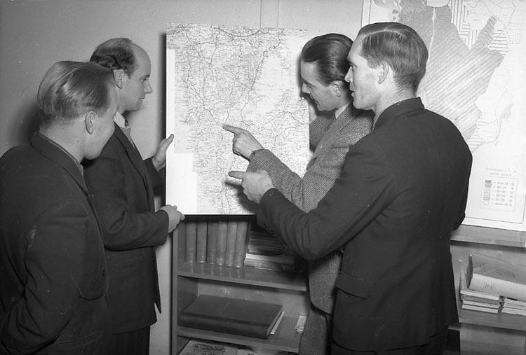 """Enligt notering: """"Bordtennis 7/12 1947""""."""