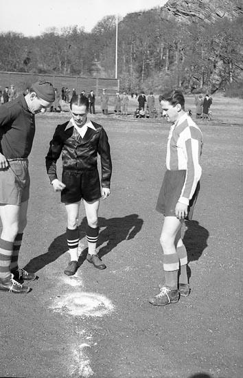 """Enligt notering: """"Fotboll Kamrat - Åmål 14/3 1949""""."""