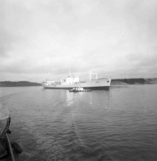 """Enligt notering: """"Bn Provtur båt 29/8 -58""""."""