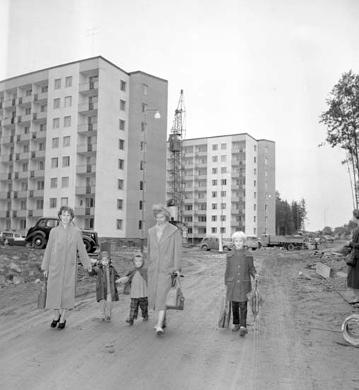 """""""Nybyggarhustrur"""" på Skogslyckan 1958"""