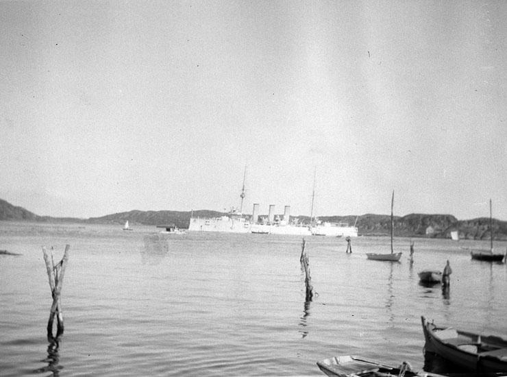 """Marstrand. Hamnen."""
