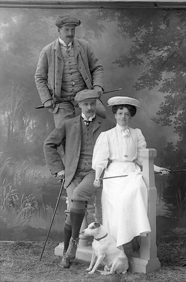 "Enligt fotografens journal nr 1 1904-1908: ""Elliot Herr C. O. Göteborg""."