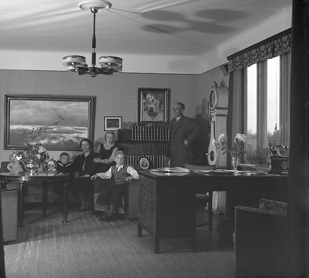 """Enligt fotografens journal nr 6 1930-1943: """"Johansson, Direktör Emil C. V. Här""""."""