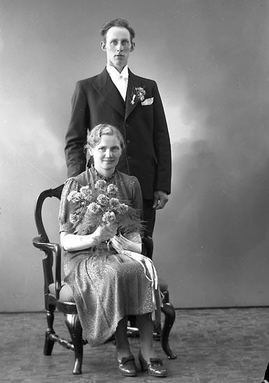 """Enligt fotografens journal nr 6 1930-1943: """"Marcusson, Anders Backa, Ucklum""""."""