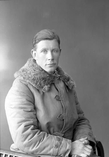 """Enligt fotografens journal nr 6 1930-1943: """"Johansson, Gunnar Ranebo J-da""""."""