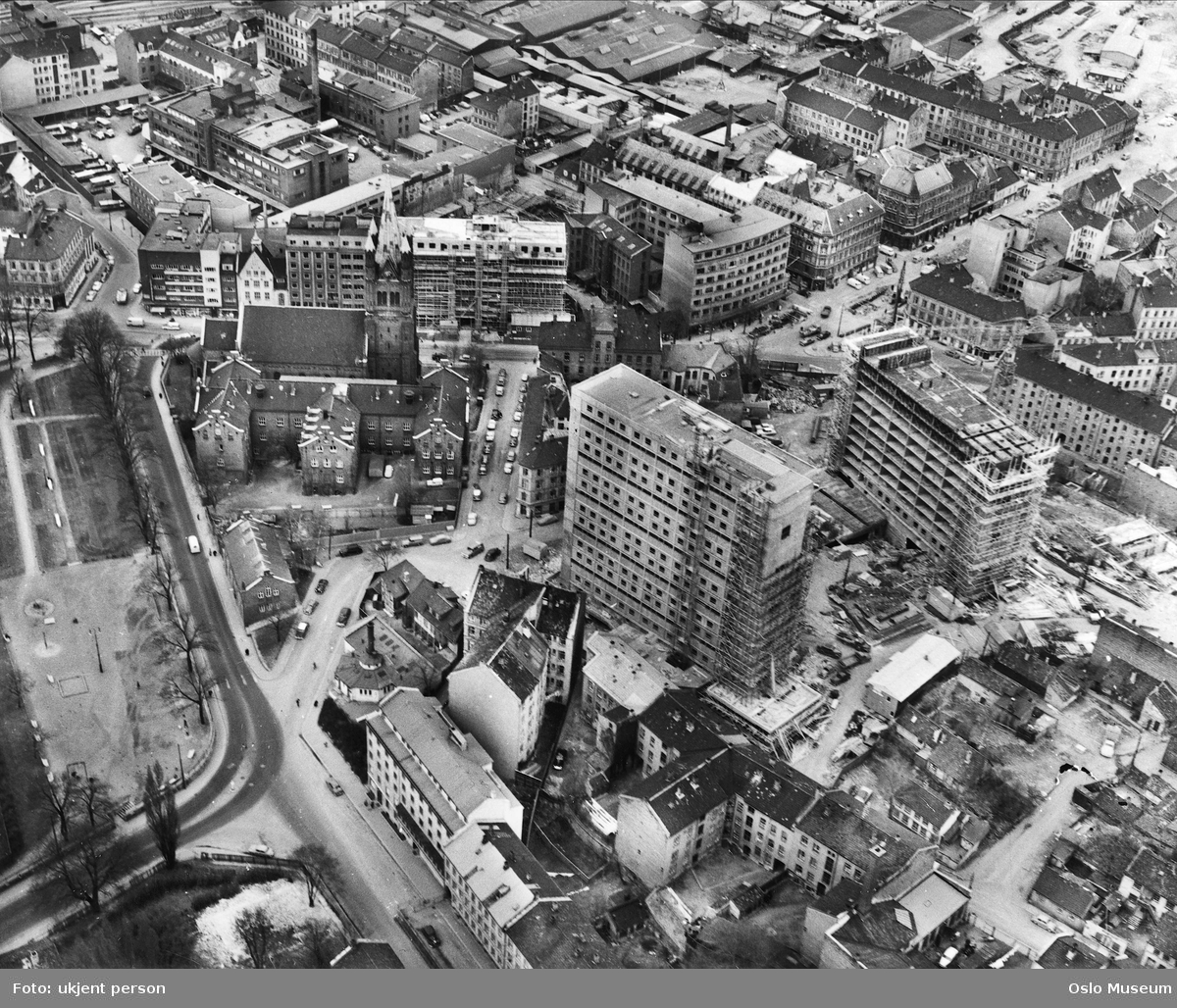 utsikt, bebyggelse, bygårder, boligblokker, byggevirksomhet, Grønland, kirke, Grønland skole