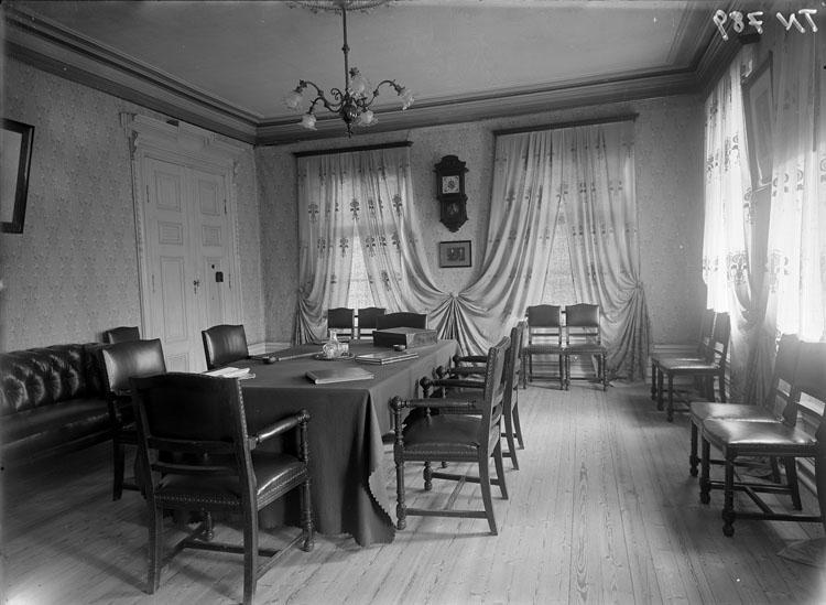 """Enligt tidigare noteringar: """"Interiör sammanträdesrum, Ordenslokal."""""""