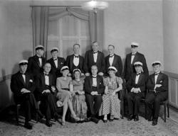 """Enligt tidigare notering: """"1926 års studenter firar 10-årsju"""