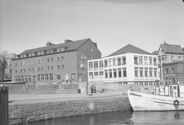 Hotellet i Lysekil, Neptun ligger förtöjd vid kajen