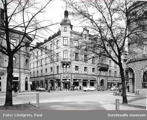 Kps självservering, Storgatan 18. (Kooperativa förbundet). Restaurangen var först med självservering i Sundsvall.