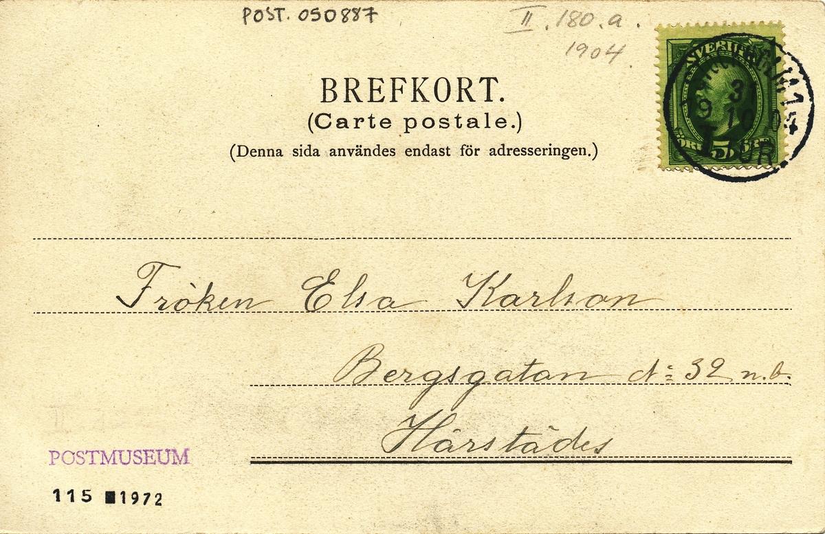 Brevbärare med påklistrat brev i litet format.