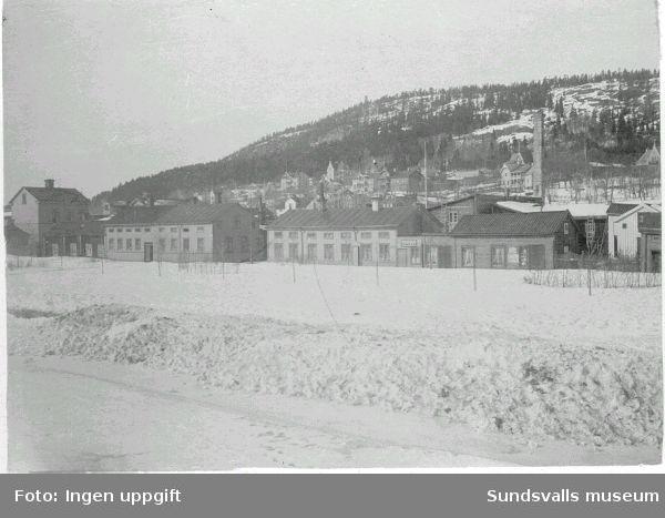Vy över Norrmalm, vintertid. Närmast husen längs Skepparegatan