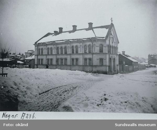 Brödraförsamlingens kapell, senare Frimurarloge. Fotot verkar vare före tillbyggnaden 1916-17. Korsningen Köpmang - Skolhusallén