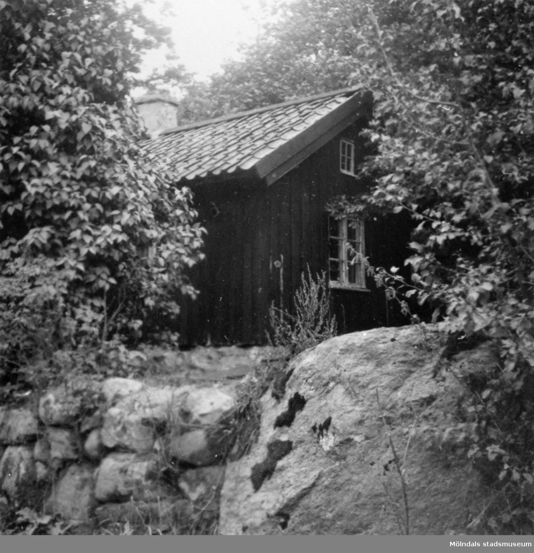 Gammal arbetarebostad vid fabriken, Anderstorp 1947. Allan Ahlgren ägde huset vid fotograferingstillfället.